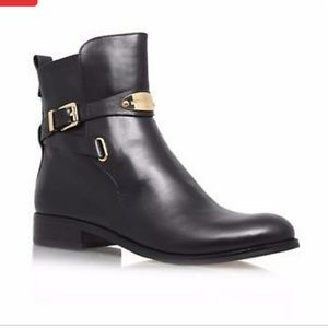 Like New AUTHENTIC Michael Kors boots